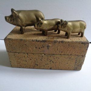 Vintage Set of 3 Brass Pigs in Box Adorable